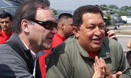 Oliver Stone con el Presidente Hugo Chávez. Fotografía: José Ibáñez.